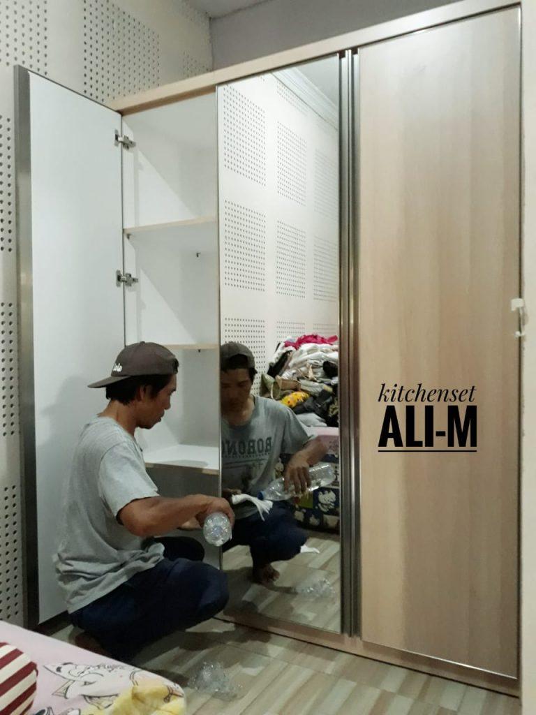 pembuatan lemari pakaian muraah